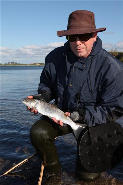 Theo mit dem ersten Fisch des Trips.