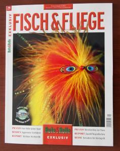 Farbenfroher Umschlag bei Fisch und Fliege.