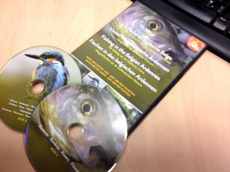 4 DVDs mit Informationen zum Fliegenfischen in der Wallonie.