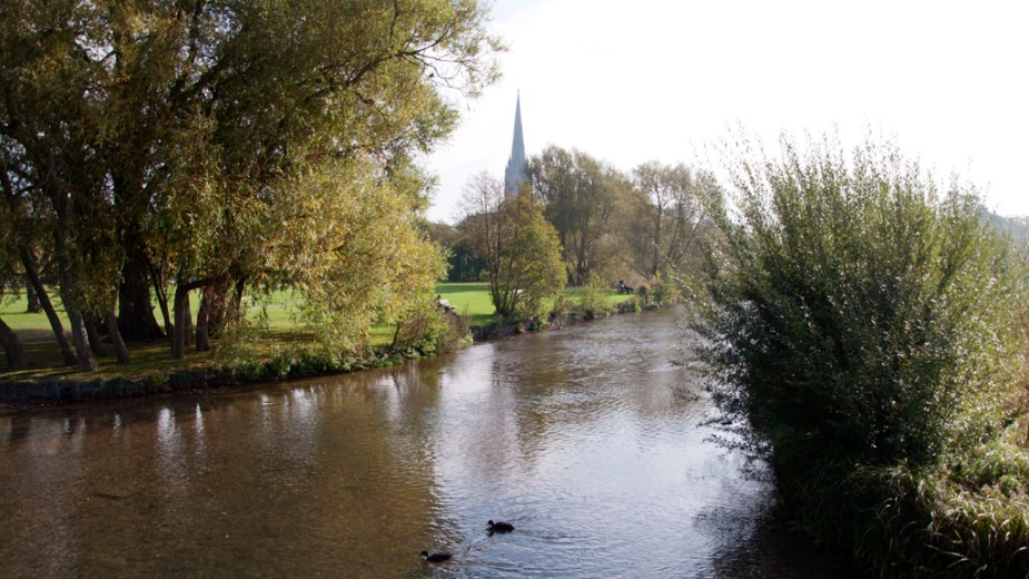 Salisbury, England, the cathedral and the river Avon |Bild: Paul Hermans