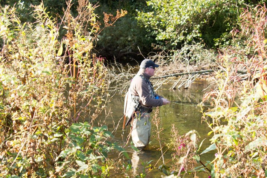 Fliegenfischen ist nicht nur fangen, sondern auch Natur und Umgebung genießen.