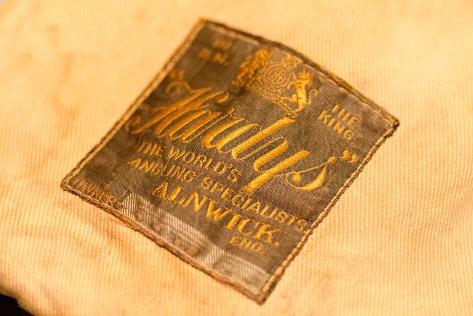 Rutenfutteral mit schickem Label.