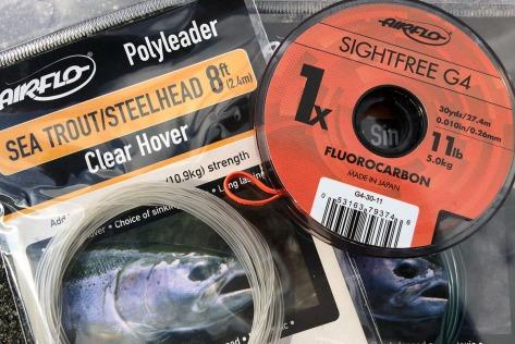 Gehören zu meiner Standardausrüstung an der Küste: Polyleader und Fluorocarbon