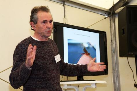 """Leon Janssen, Autor des Buches """"Fliegenfischen"""" überzog seine Vortragszeit bei weitem, aber aus gutem Grund!"""